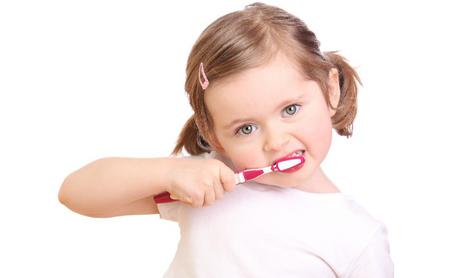 ¿Cómo enseñar a los niños a lavarse los dientes? - Espacio Dental Jaén