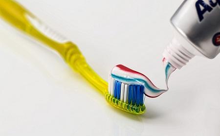 ¿Funcionan las pastas de dientes blanqueadoras? - Espacio Dental Jaén