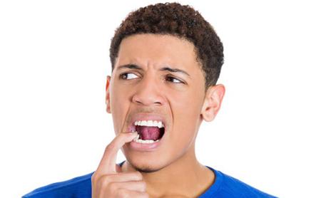 Porqué se me mueven los dientes - Espacio Dental Jaén